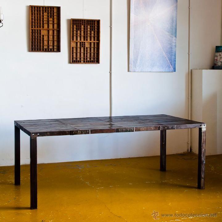 Mesa de comedor de hierro con planchas de encofrar a for Concepto de comedor industrial