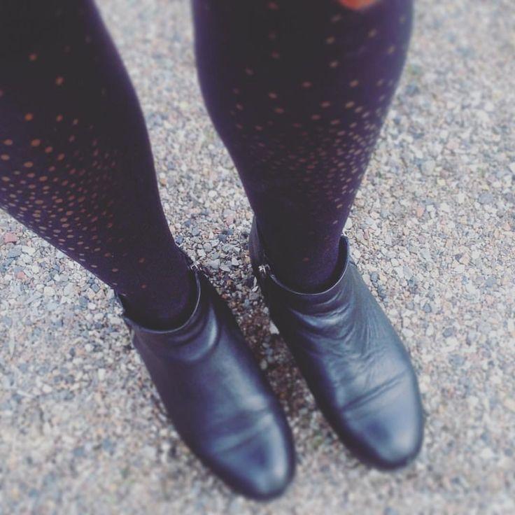 Autumn walk. Sparkling Treasure tights.