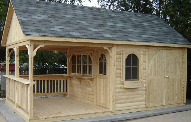Custom cedar bar unit by Flamborough Patio