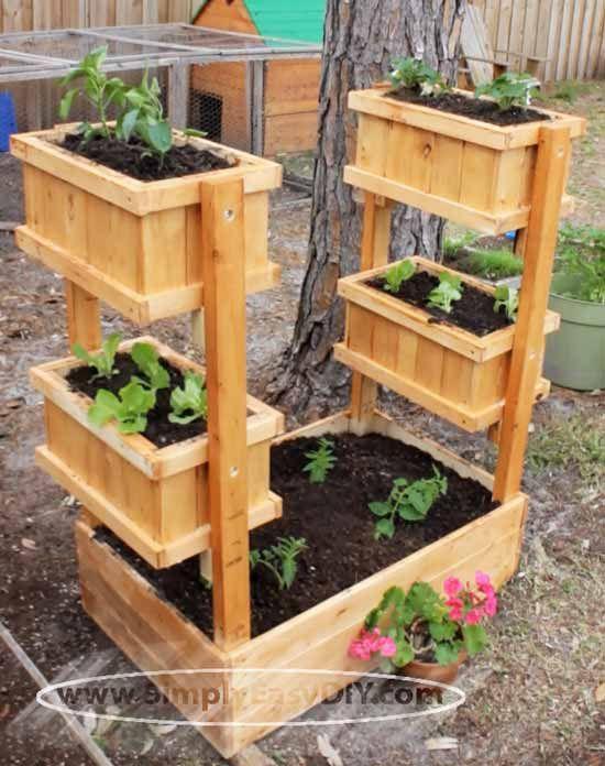 Simply Easy DIY: Vertical Garden Planter #woodworking
