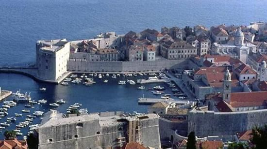 Croatia-Dubrovnik, travel guides, travel writing www.travel-attractions-country.info/