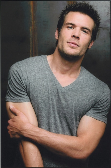 Charlie Weber On Underemployed And Making It In The Real World on http://www.shockya.com/news