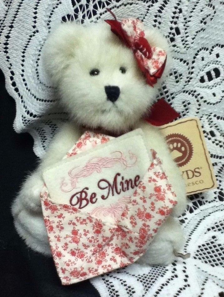 teddy bear on valentine's day