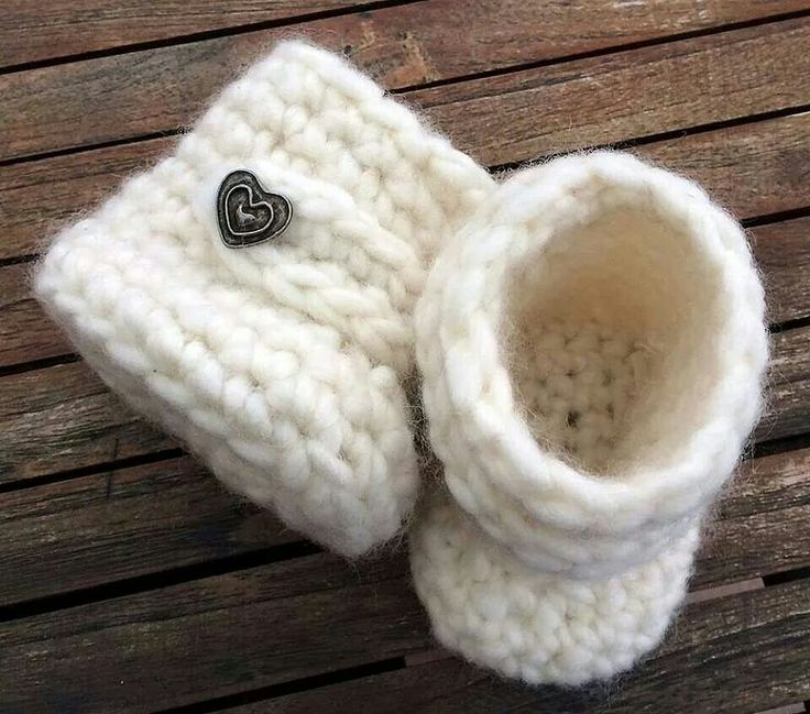 Baby UGGs by Bautawitch