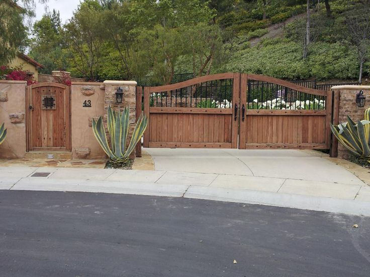 7 Best Gates Images On Pinterest Driveways Wood Gates And Door Entry