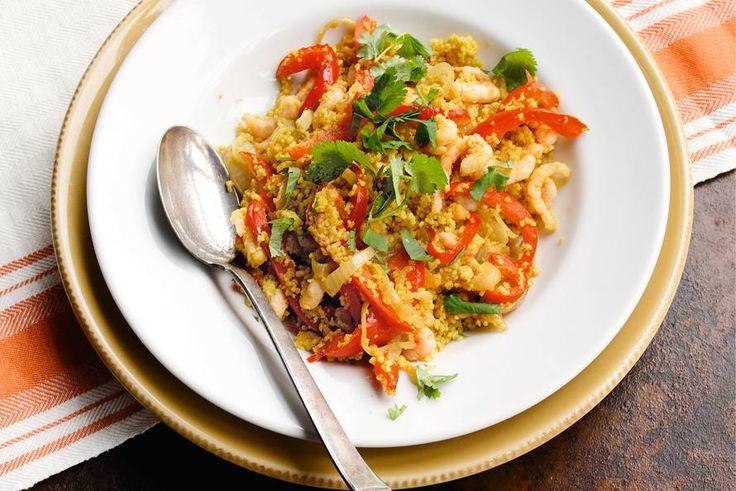 Kijk wat een lekker recept ik heb gevonden op Allerhande! Couscous met gestoofde paprika en garnalen
