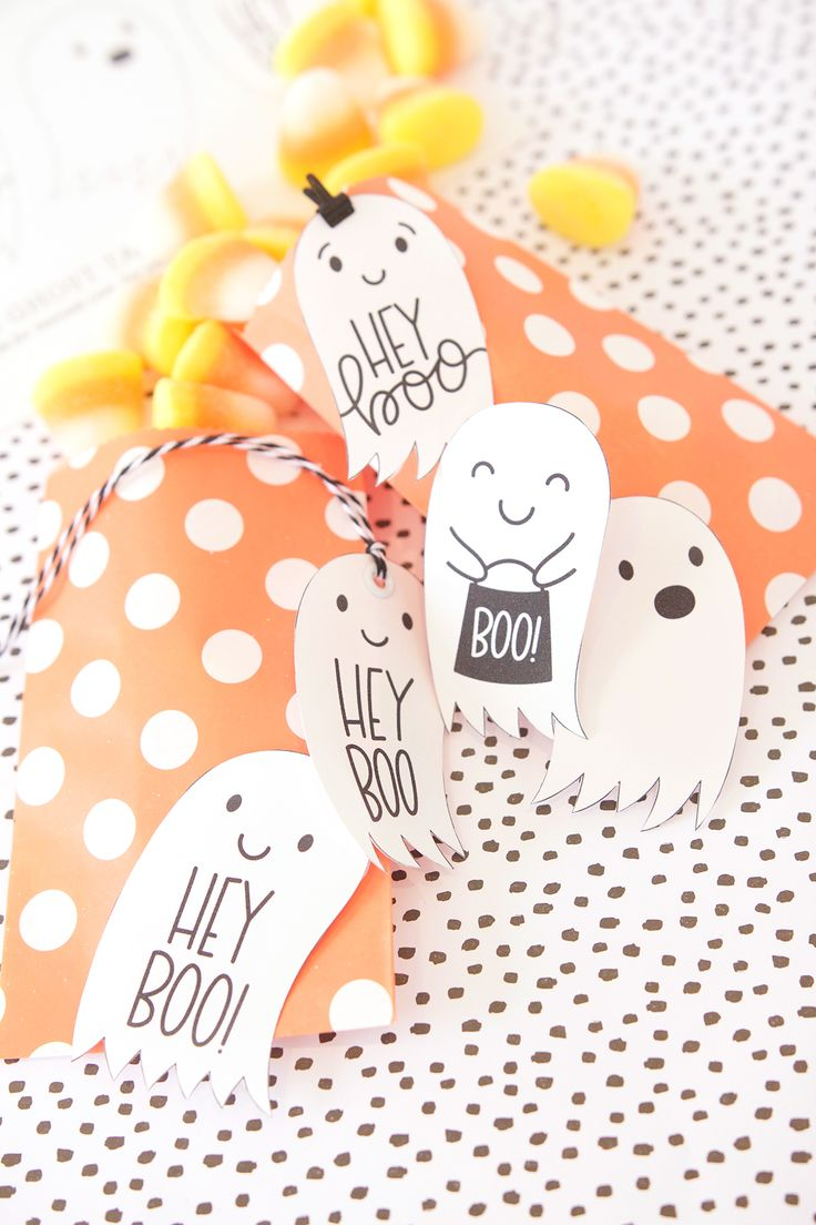"No More ""Trick or Treat"" - ""Hey Boo"" is the new halloween greeting and you can create your own Hey Boo Halloween Tag Printables with a Canon MG7720 Printer."