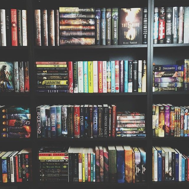 Nothing beats depression than a bookshelf makeover : Photo
