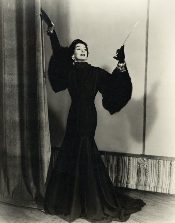 Rosalind Russell, she was one of my favorites! The best Auntie Mame ever!!!