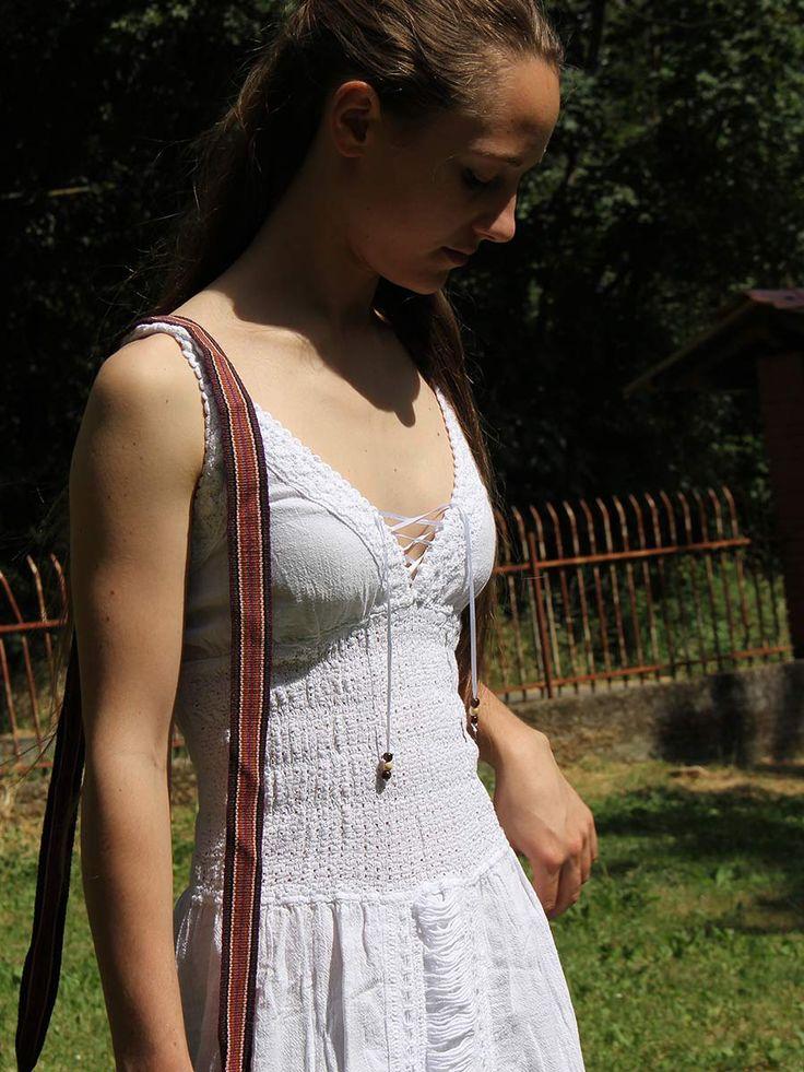 Abito donna lungo estate 2017 Sheila #Abito #bianco #estivo lungo, in pregiatissimo e #freschissimo #cotone #peruviano. Le #decorazioni applicate sono in #tessuto, interamente lavorate a mano. #Lavorazione a #traforo, foderato sul davanti. Taglia unica. #vestito #estate #2017 #moda #abbigliamento #donna www.lamamita.it