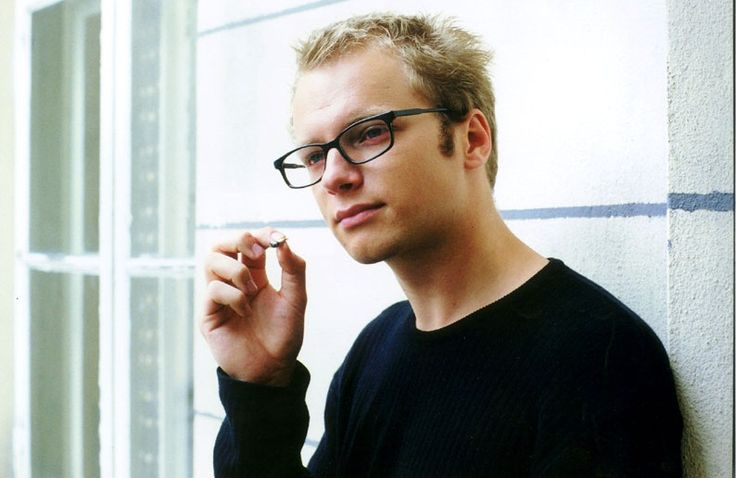 Maciej Stuhr, IEE (ENFp)