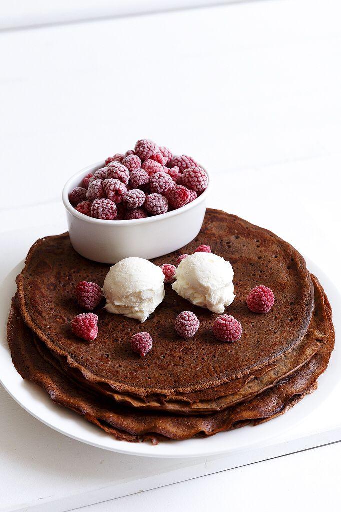 Chocolate crêpe with mascarpone and raspberries  Anna-Maria Barouh  http://www.instyle.gr/recipe/krepes-sokolatas-mascarpone-ke-vatomoura/