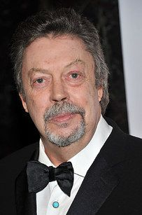 A Reminder Of How Terrifying Tim Curry Was As Pennywise