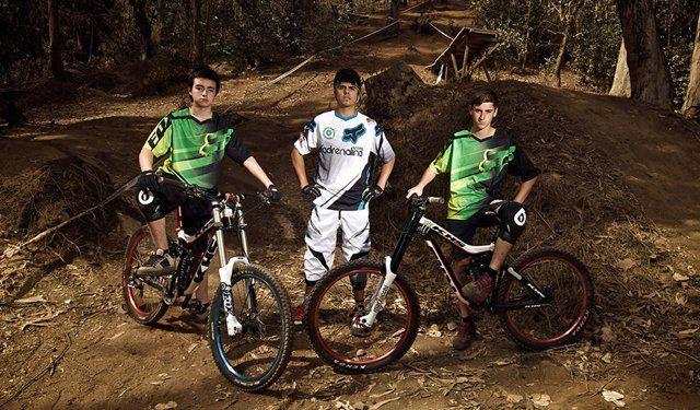 El video que varios vieron en Canal 13 pero en extenso!   Presentación del team adrenalina KHS Downhill 2013!   Gracias a los chicos de Goride