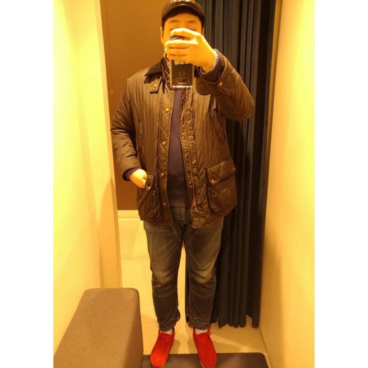 빨간 포인트  #패드모어 #클락스 #polo #ralphlauren #deinmnsupply #데님앤서플라이 #폴로 #랄뽕 #dailylook #ootd #wiwt #mansfashion #fashion http://www.butimag.com/fashion/post/1479682693074780678_2105758530/?code=BSI45HVBAIG
