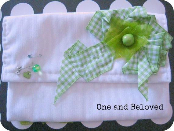 Unique Handmade White Nécessaire with light green by OneandBeloved, €12.00