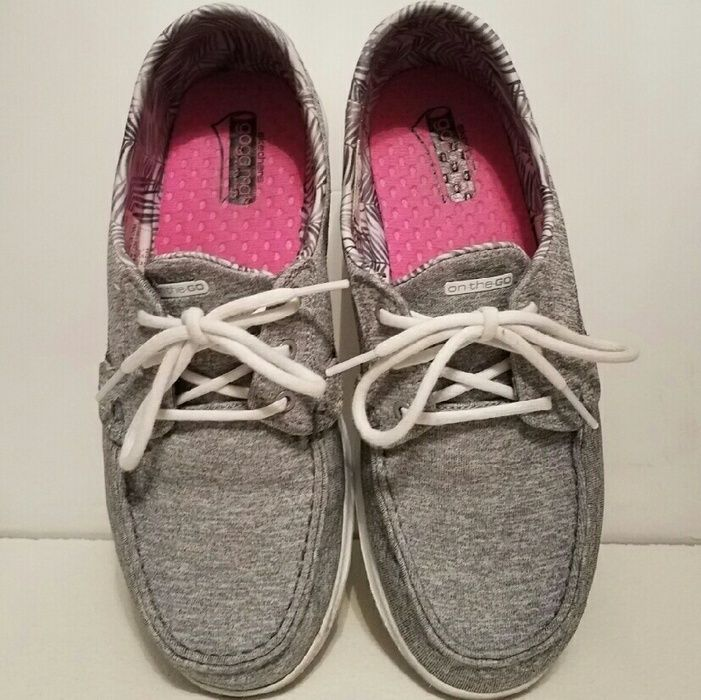 """Sale! Skechers """"On the Go"""" Walking Shoes - size 8.5"""