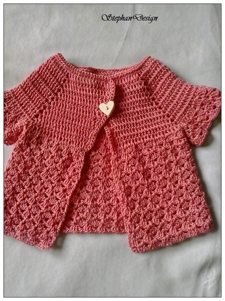 This cute cardigan is good for a great foto prop and baby shower gift and is suitable for everyday wear as well. This cardigan is made in a soft co...