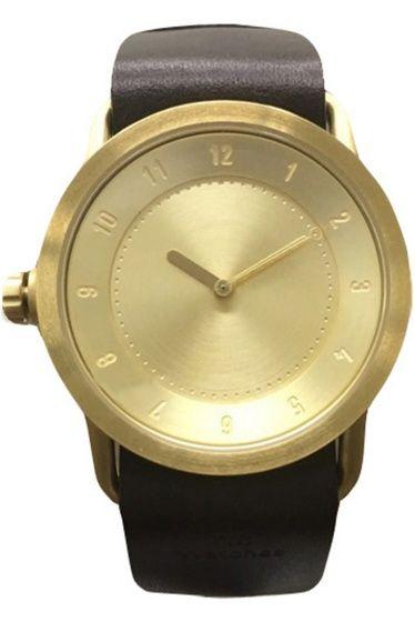 予約TID No1 GOLD 36mm SC  予約TID No1 GOLD 36mm SC 28080 お届け予定11月上旬 限定数量に達し次第締め切りとなります 2012年にスウェーデンストックホルムでスタートしたTID Watches SNS等でも人気の高いTID Watches より 適度な重量感と上品さを兼ね備えたポリッシュ仕上げのGOLDケース を先行受注いたします アンティーク調のゴールド色は肌馴染みもよいので ON/OFF問わず普段のコーディネートにプラスして頂けます 女性の方でもお使いやすい36mmサイズは 主張しすぎることなくアクセサリー等との重ね着けにも最適です 素材ステンレススチール ベルト レザー ムーブメントクォーツ 防水性生活防水 注意事項 画像の商品はサンプルです 実際の商品と仕様加工が若干異なる場合があります サイズ表記はあくまで目安となります その他の予約商品通常商品との同時決済はできません 入荷状況によりお届け予定が前後する場合があります お客様への発送が店頭販売より遅れる場合もあります