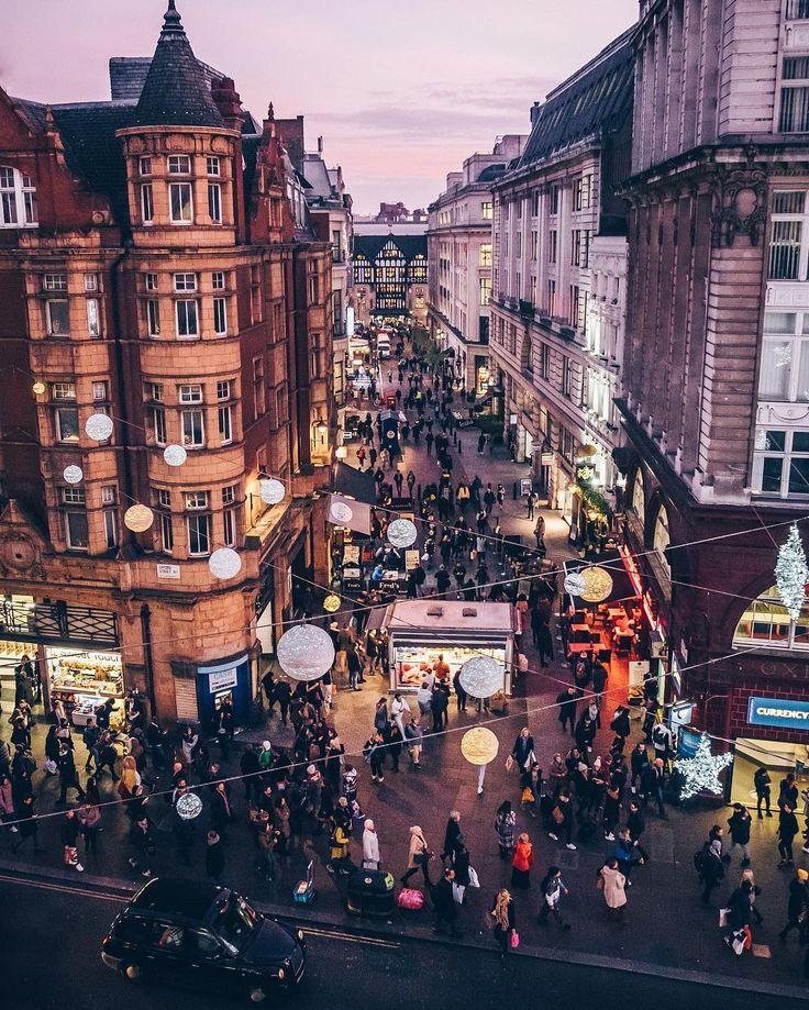 Shopping circus #London #OxfordStreet #LibertyLond…