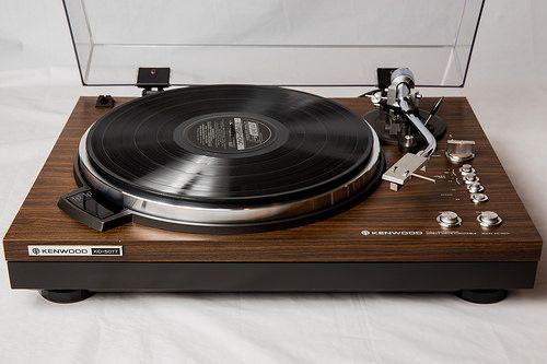 analog-dreams:  1979 Kenwood KD-5077 turntable.   Flickr: https://flic.kr/p/vAa2JX