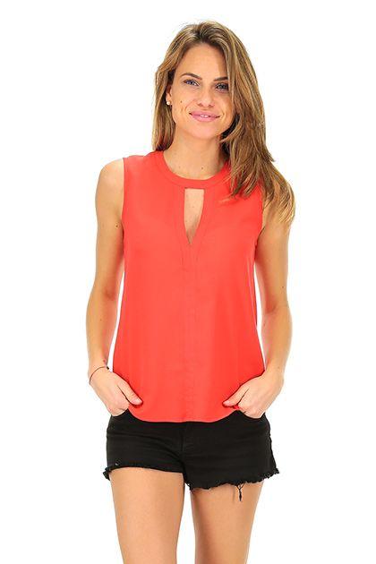 Kocca - Top - Abbigliamento - Top in tessuto leggero con scollo a fessura e bottoncini di chiusura sul retro.La nostra modella indossa la taglia /EU XS. - 10174 - € 55.00