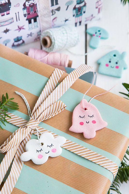 Anhänger für Weihnachtsbaum und Geschenke aus Salzteig selber machen – Samey Atelier Farbstil ▪ Sandra Kolb
