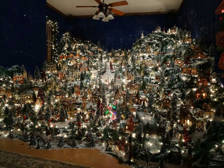 Best 25+ Christmas village sets ideas on Pinterest | Christmas ...