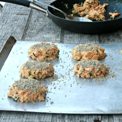 These are absolutely amazing... Walnut Crusted Salmon Cakes