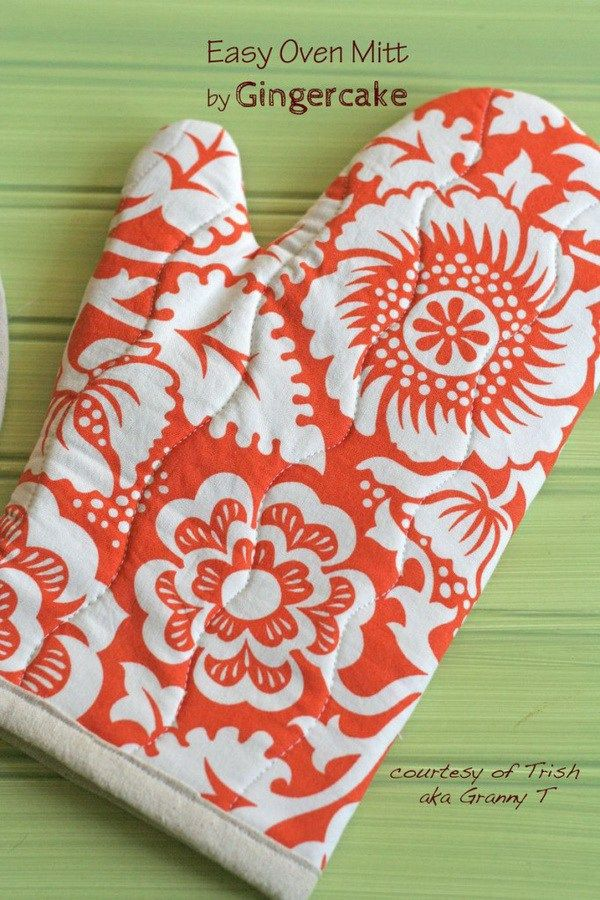 Easy Oven Mitt. Another very easy and basic sewing project that almost anyone can do with a sewing machine and some sewing notions. Perfect handmade gifts for your mom.