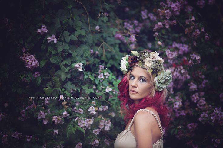 Pauline Mandry Photography© www.paulinemandryphotography.com Flowers; headpiece; floral; photography