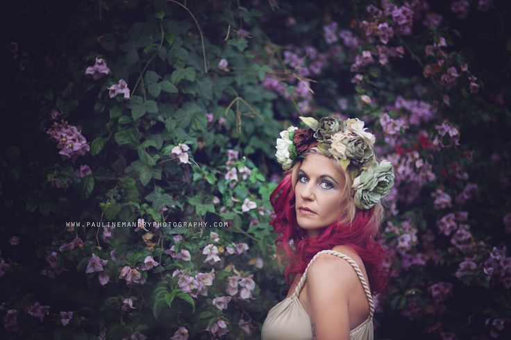 Pauline Mandry Photography© www.paulinemandryphotography.com Flowers; headpiece; floral; photography