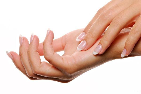 Como aclarar la piel de las manos - Para Más Información Ingresa en: http://pasosparamaquillarse.com/como-aclarar-la-piel-de-las-manos/