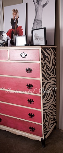 i need to find an old dresser so i can do something for the girls room :)