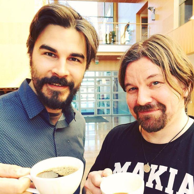 He juovat nyt kahvia. Imagen kirjoittajakoulussa tapasin kaksi hurmaavaa herraa @jukkalindstrom ja @karikanala kiitos esittäytymisestä #suomi100 sarjassain.  #100suomalaista #suomi100 #finland #finland100 #henkilöbrändäys #digitalist #vaikuttajamarkkinointi #somekonsultti #ilovemyjob #somefi #futuremarja #vesper