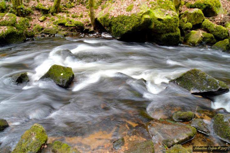 Photos prises avec Nikon D3200 Objectif Tamron AF18-200 F3.5-6.3 pose 1,6s et +18 en saturation