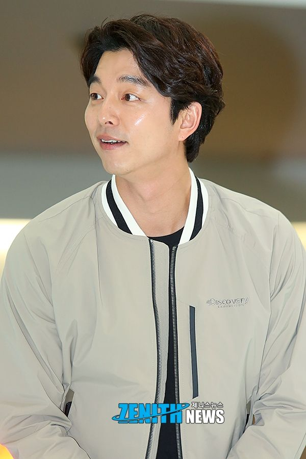 The Goblin is out and about this weekend in Seoul, looking fly and happy attending a brand event and dazzling the fans. Gong Yoo may have hung up his immortal mantle and resumed like as just a top star with … Continue reading →