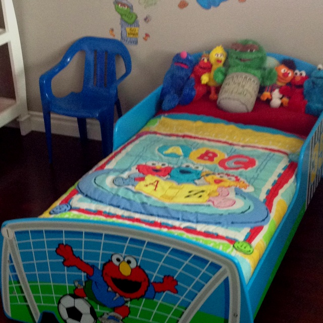 10 Best Sesame Street Images On Pinterest Streets Boy Rh Com Bedroom Set With Bonus Toy Organizer