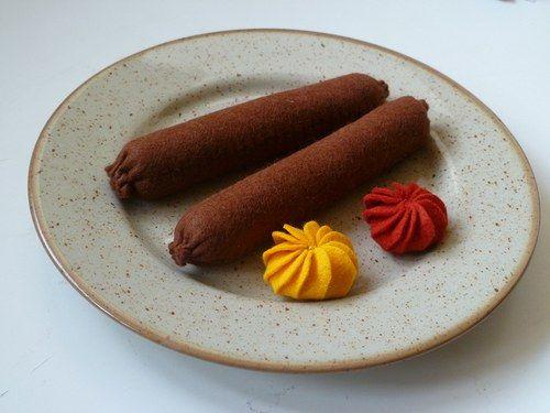 Párky s hořčicí a kečupem