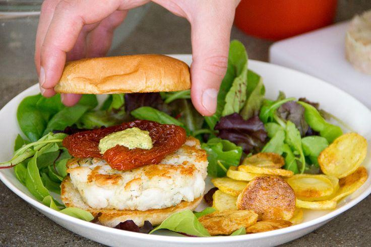 Burger di cernia con salsa verde