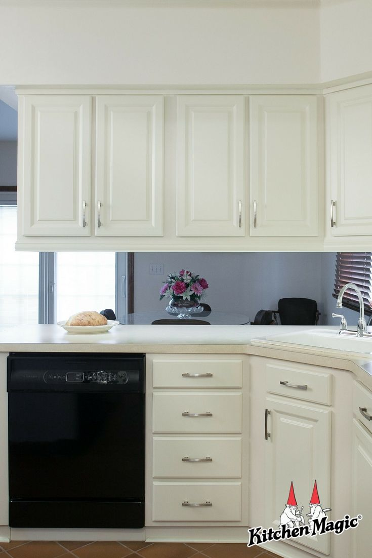 Cabinet Refacing Brightened Up And Revitalized This Kitchen Could Your Kitchen Be Next Learn More About T Cabinet Refacing Kitchen Cabinet Trends Cabinet