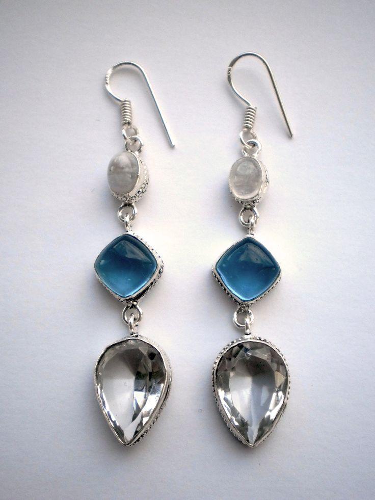 Clear Crystal Quarz and Rainbow Moonstone Earrings €22.00