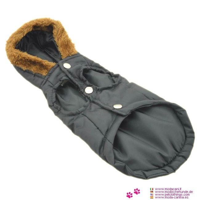 Giacca Impermeabile Nera per Cane Bassotto - Giacca impermeabile realizzata in nylon di colore nero; è leggermente imbottita, ed è disegnata appositamente per un cane bassotto; in 4 misure