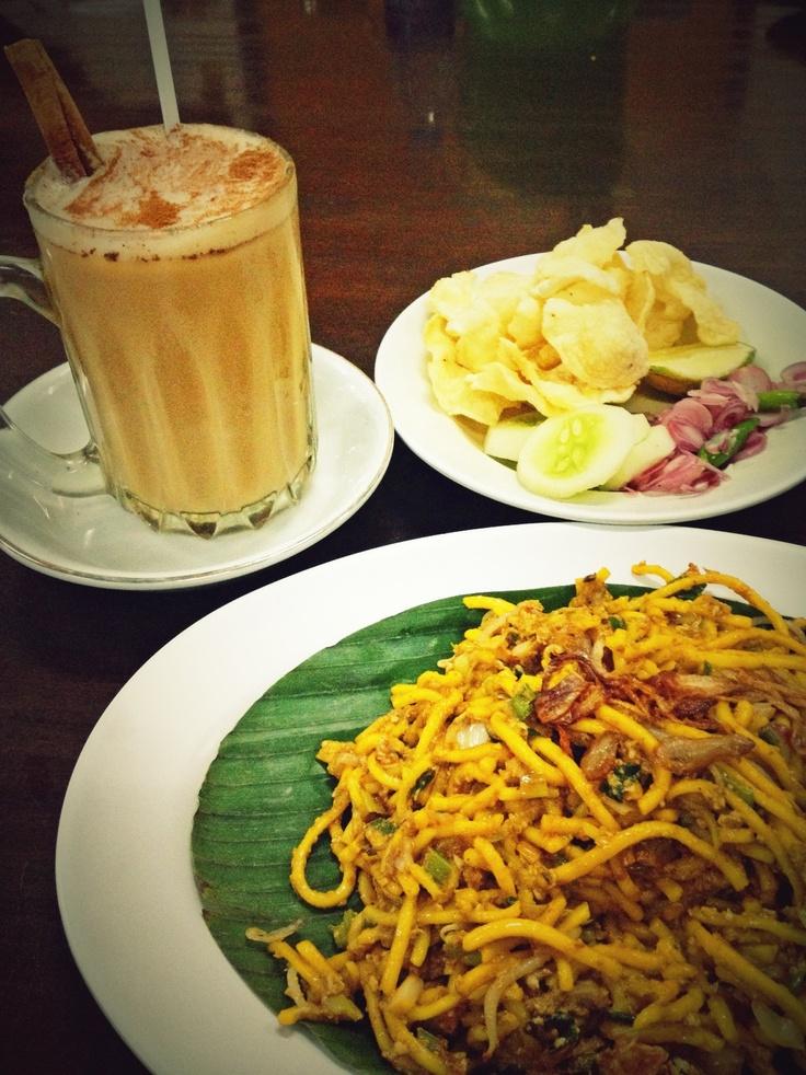 Mie Aceh + Teh Tarik @ Meutia Masakan Aceh Indonesian Cuisine