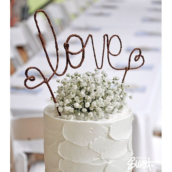This unique banner cake topper is an excellent addition to almost any wedding decoration, whether rustic, shabby chic, barn, vineyard, or vintage.