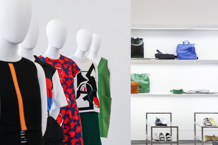 Jil Sander Navy. Resort 2015 Collection. Maxi shirts, oversized anoraks and bomber jackets define a sporty disposition, whereas abstract graphics, planar flowers and jacquards, are deliberately combined in a modern and eclectic fashion to highlight a quirky femininity.  #JilSander #Navy #JilSanderNavy #Fashion #resort2015 #quirky