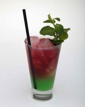 Sensations (sem álcool) drink 70 ml Suco de Cranberry da Juxx 25 ml Suco de Manga 15 ml suco de limão 10 ml Xarope de Menta Ramo de Hortelã
