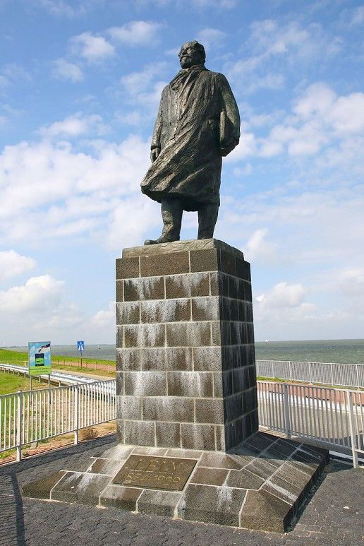 Standbeeld Ir.Cornelis Lely, Afsluitdijk.