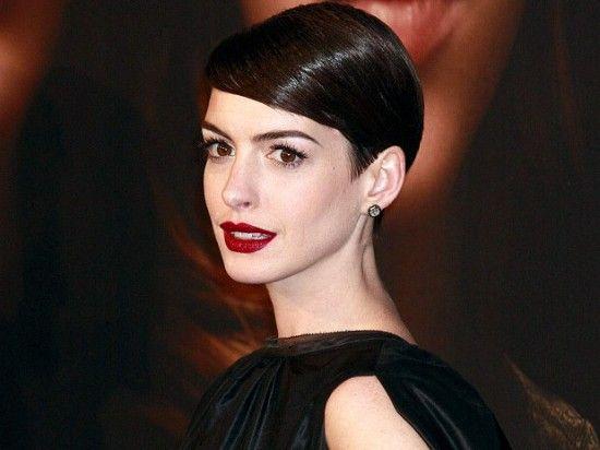 El estilo de Anne Hathaway en la première de Los Miserables