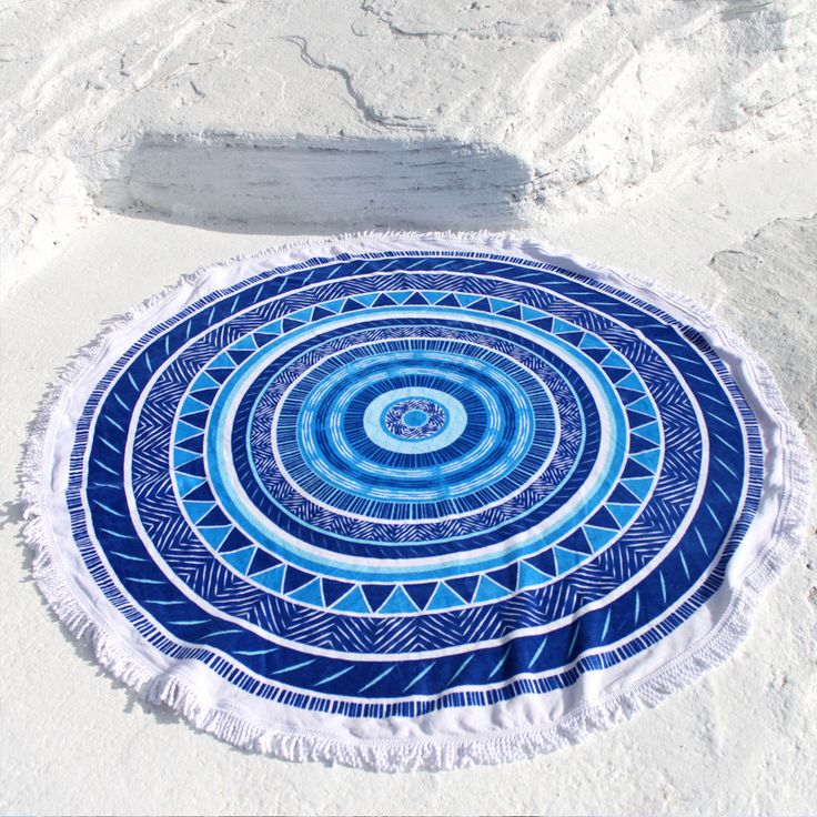 The Juju round beach towel, designed in Australia, is made of super soft velour and terry toweling. This round beach towel is a summer must have!